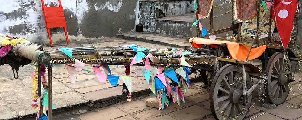 Art at Dhinodhar Nearby